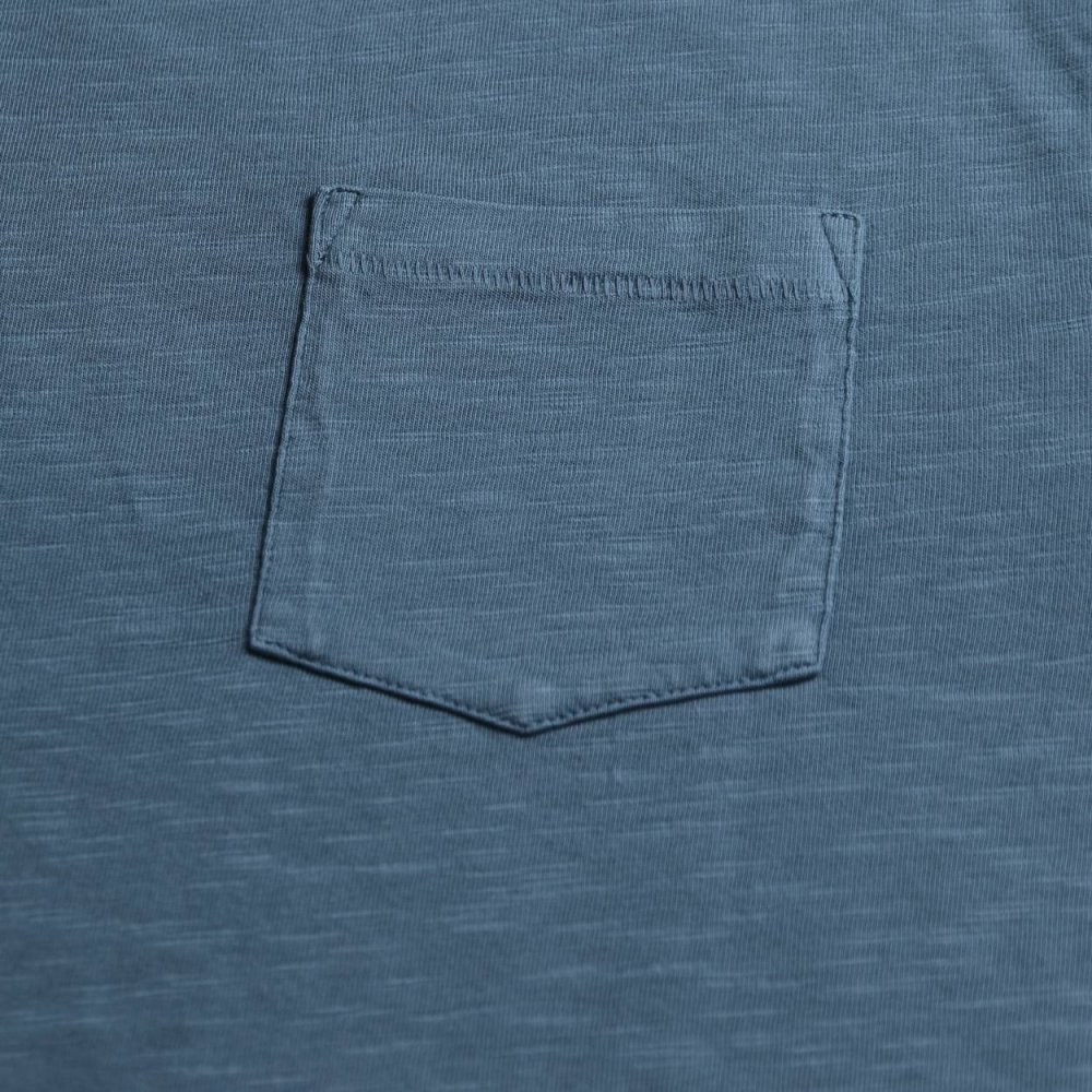 Plain pocket tee